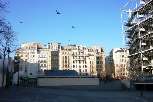 Le Quartier de l'Horloge vu de la Piazza du Centre Pompidou