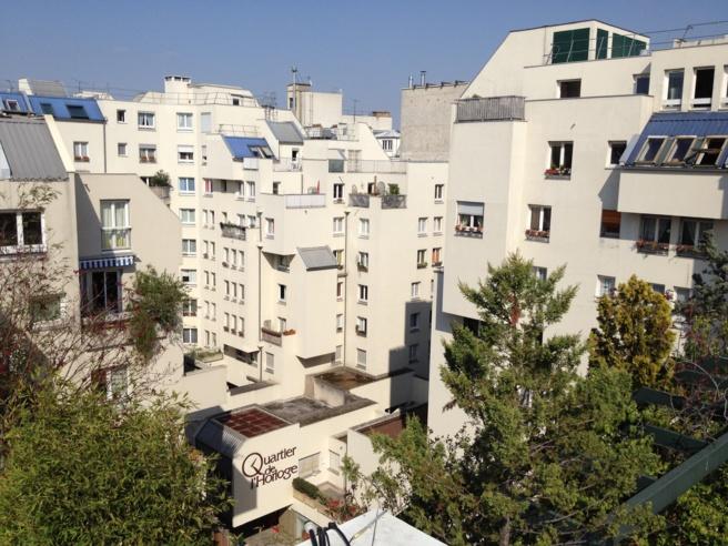Le Quartier de l'Horloge a environ 1500 habitants et 400 propriétaires de parkings en sous-sol.