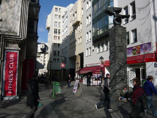 Entrée sud du Quartier de l'Horloge: la rue Brantôme.