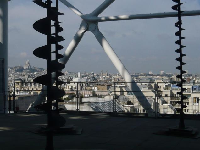 Prendre de la hauteur. Le quartier vu du Musée national d'art moderne (MNAM)