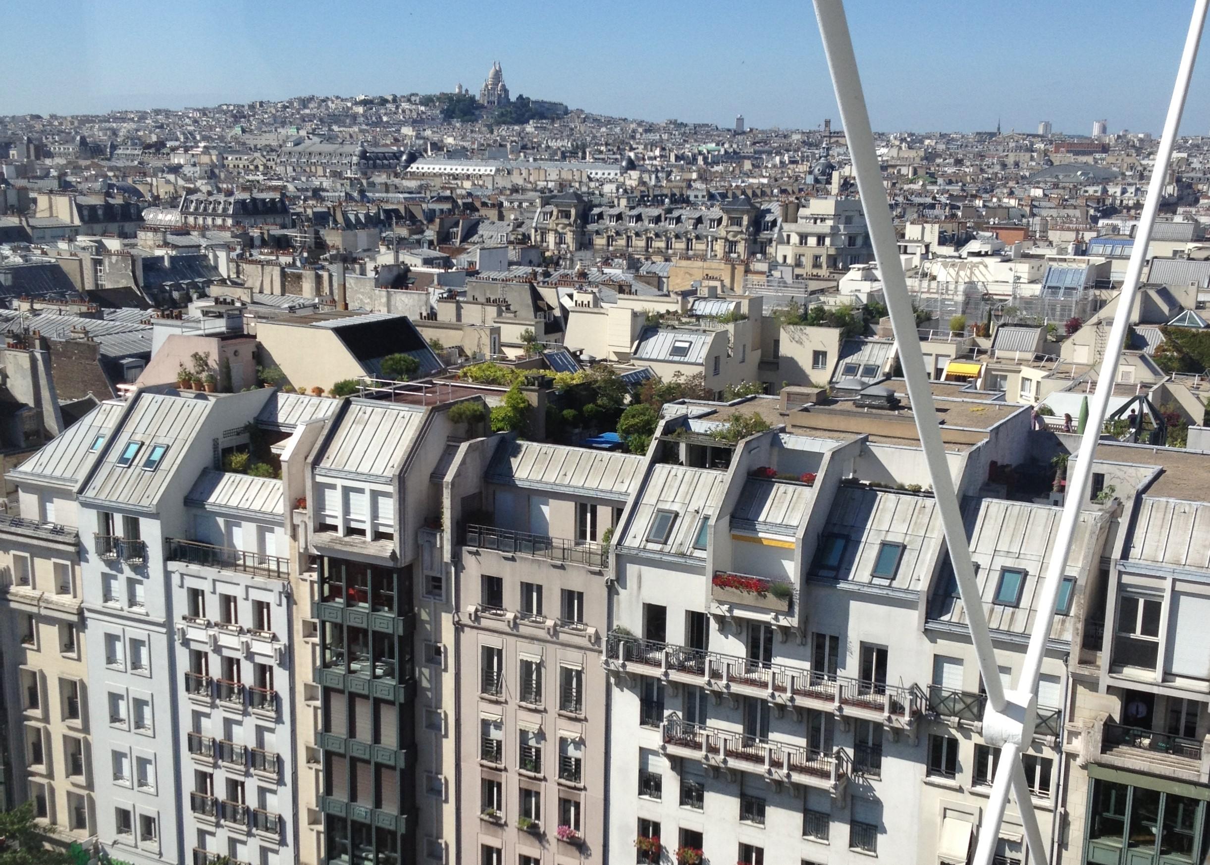 Le Quartier de l'Horloge vu du Centre Pompidou.