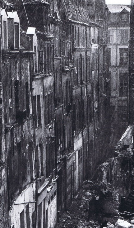 This real estate development took the place of an unsanitary district remaining in the 1970s between Les Halles and Le Marais. (Picture Marc Petitjean, 1974)