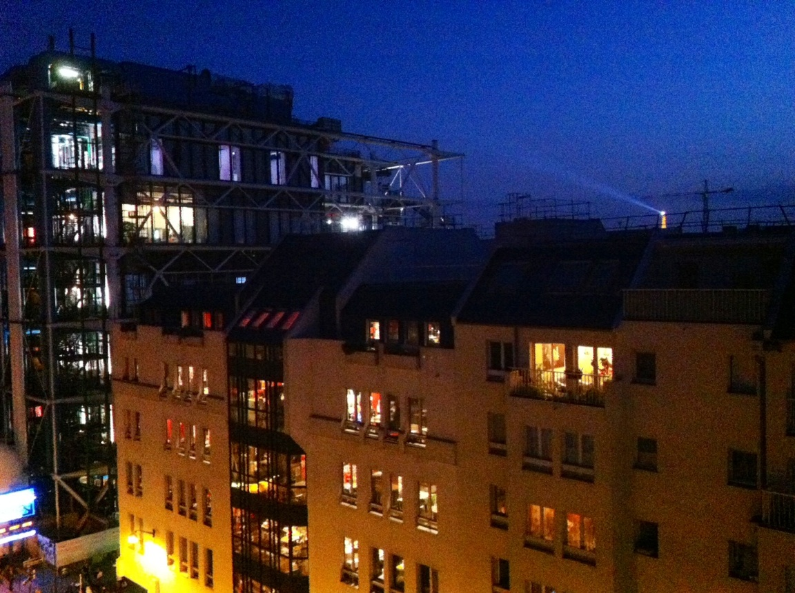 Le Quartier de l'Horloge a les charges de copropriété (logements, parkings ou commerces) parmi les plus élevées à Paris.